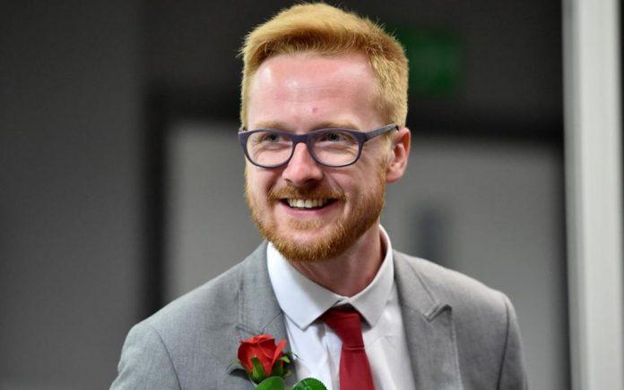 Βρετανός βουλευτής αποκάλυψε στην βουλή ότι είναι οροθετικός (vd)
