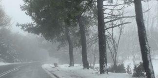 Έπεσαν τα πρώτα χιόνια στην Πάρνηθα (vd)