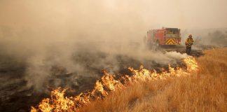 Εκτός ελέγχου η πυρκαγιά στον Κιθαίρωνα