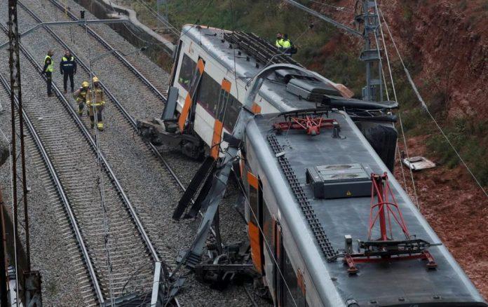 Βαρκελώνη: Ένας νεκρός, 49 τραυματίες σε εκτροχιασμό τρένου