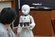 Ιαπωνία: Παράλυτοι εργαζόμενοι χειρίζονται σερβιτόρους-ρομπότ (vd)