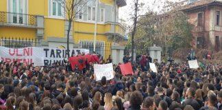 Κίνδυνος και πολιτειακής κρίσης στην Αλβανία