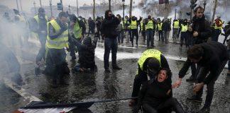 """Κίτρινα Γιλέκα: Ραντεβού για την """"τελική επίθεση"""""""