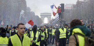 Γαλλία: Φορτηγό σκότωσε 23χρονο διαδηλωτή των «κίτρινων γιλέκων»