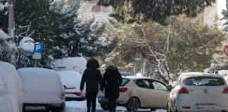 Εικόνες από τη χιονισμένη Αθήνα μέσω…Drones (Vd)