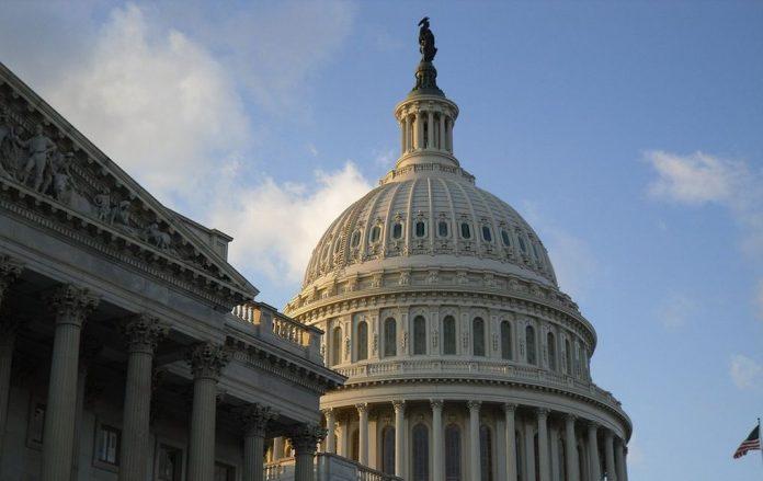 ΗΠΑ: Ο Τζο Μπάιντεν προηγείται στις δημοσκοπήσεις