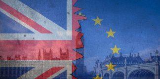 Χάμοντ: «Αποχώρηση από την ΕΕ χωρίς συμφωνία προκαλεί καταστροφή»