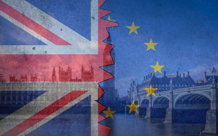 Brexit: Νέο δημοψήφισμα ζητούν οι «μικροί» της αντιπολίτευσης