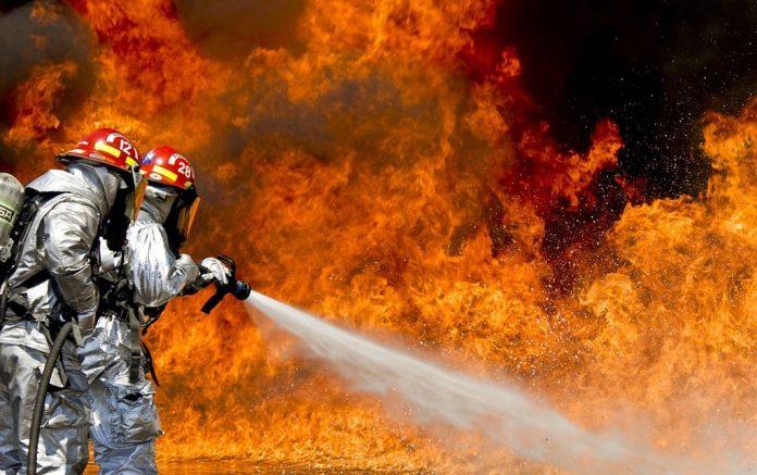 Κάηκε ολοσχερώς beach bar στη Χανιώτη