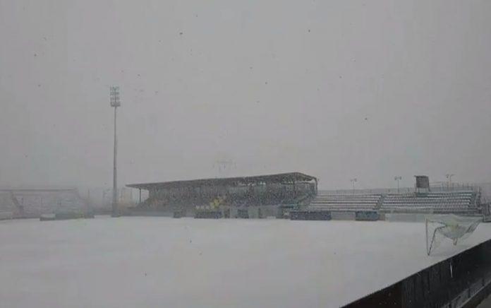 Πίστα... χιονιού το γήπεδο του Αστέρα - Τι θα γίνει στο ματς με τον ΠΑΟΚ
