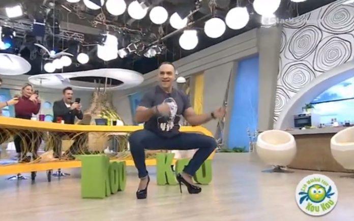 Απίστευτο: Ο Κρατερός Κατσούλης χορεύει με 15ποντες γόβες! (vd)