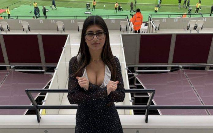 Πώς να συγκεντρωθούν οι ποδοσφαιριστές, με την Καλίφα στο γήπεδο;