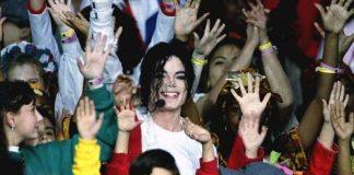 Στρέιζαντ υπέρ Τζάκσον για την παιδεραστία