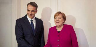 Spiegel: «Ο Τσίπρας απέτυχε να στρέψει τη Μέρκελ κατά του Μητσοτάκη»