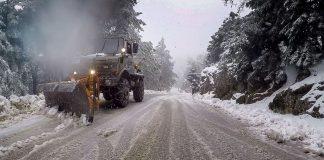 Αττική: Προβλήματα στην κυκλοφορία στα ορεινά τμήματα λόγω χιονόπτωσης