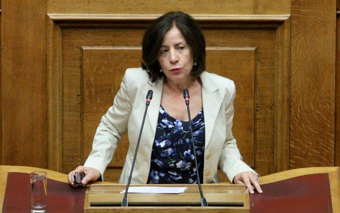 Κοζομπόλη: «Η φορολόγηση δεν επιβλήθηκε από τον ΣΥΡΙΖΑ»