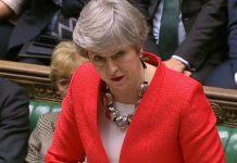 Η Μέι «βλέπει» αναβολή του Brexit και συμμετοχή στις ευρωεκλογές