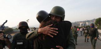 Σοβαρό το ενδεχόμενο στρατιωτικής επέμβασης των ΗΠΑ στη Βενεζουέλα