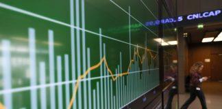 Χρηματιστήριο: Μικρή πτώση, χαμηλός τζίρος
