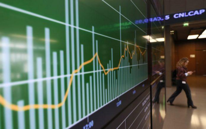 Χρηματιστήριο: Πτώση 0,96% με χαμηλό τζίρο