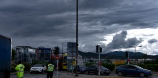 Ο καιρός... τρελάθηκε: Δέκατη συνεχόμενη μέρα με καταιγίδες και χαλάζι!