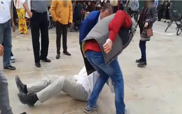 Έρευνα για τους αστυνομικούς που έσυραν πολίτη με τη βία δίπλα από τον Τσίπρα