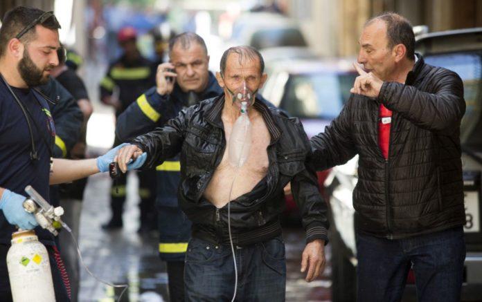 Θεσσαλονίκη: Φωτιά σε πολυκατοικία – Απεγκλωβίστηκαν τέσσερα άτομα