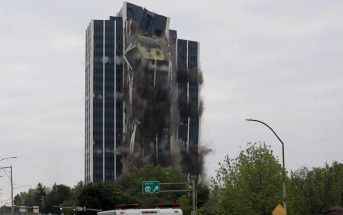 ΗΠΑ: Εξαφάνισαν μεγάλο κτίριο σε δευτερόλεπτα (vd)
