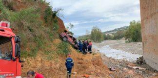 Τραγωδία στα Χανιά: ΙΧ έπεσε σε γκρεμό – Νεκρός ο οδηγός (pics)