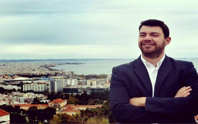 Ηλίας Ζάχαρης: Ο Σίμος τάζει όπως ο Τσίπρας