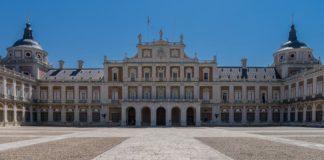 Ισπανία: 115.000 για στολισμό του βασιλικού παλατιού με άνθη