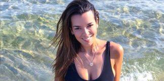 Η Ράλλη... γεννήθηκε στην παραλία! (pic) - Politik.gr