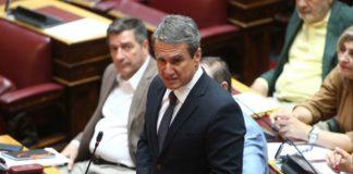 Την έντονη αντίδραση του Ανδρέα Λοβέρδου προκάλεσε η αποχώρηση του ΣΥΡΙΖΑ από την ψηφοφορία για την άρση ασυλίας του Παύλου Πολάκη.