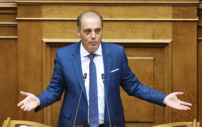 Κυρ. Βελόπουλος: Δεν έπρεπε να γίνει νομοθετική παρέμβαση στο ποδόσφαιρο
