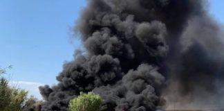 Στις φλόγες και πάλι χθες παραπήγματα στα Τσαΐρια