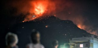 Συνεχίζεται η μάχη με τις φλόγες στο Λουτράκι (pics)