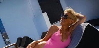 «Τρελαίνει» κόσμο το μπούστο της Κωστάκη (pics)