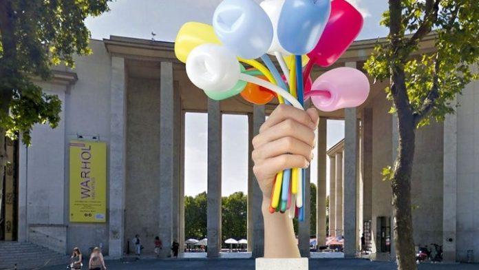 Διίστανται οι απόψεις για το «δώρο» του Τζεφ Κουνς στην πόλη του Παρισιού