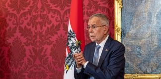 Αυστρία: Την ανάγκη προώθησης εκείνων που ενώνουν, τόνισε ο Βαν ντερ Μπέλεν