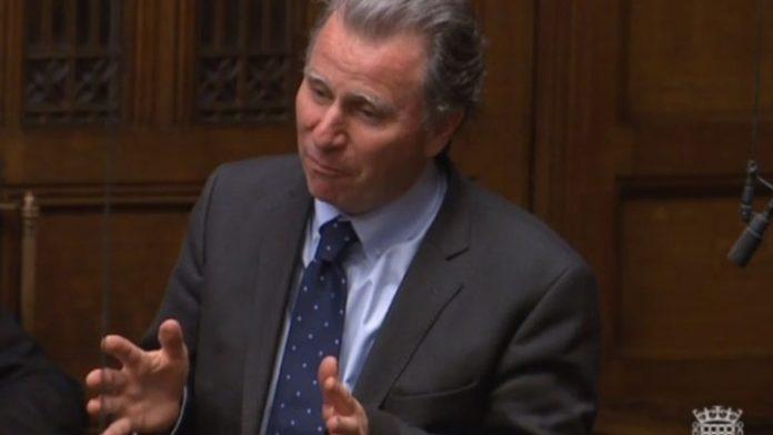 Βρετανία: Η κυβέρνηση ζήτησε από τον βουλευτή Ό. Λέτουιν να αποσύρει τροπολογία του
