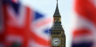 Brexit: Τρίμηνη αναβολή εξετάζουν οι Βρυξέλλες