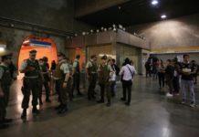 Χιλή: Σε κατάσταση εκτάκτου ανάγκης το Σαντιάγο μετά από ταραχές λόγω αύξησης της τιμής του εισιτηρίου του μετρό