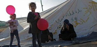 ΕΔΔΑ: Συνεπής η Ελλάδα προς τις υποχρεώσεις της για τις συνθήκες κράτησης προσφύγων και μεταναστών στη Χίο