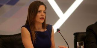 """Έφη Αχτσιόγλου: """"Οι μνημονιακές παραισθήσεις του υπουργείου Εργασίας"""""""