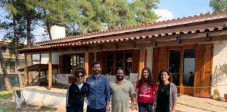 Φοιτητές και ασυνόδευτοι πρόσφυγες φύτεψαν «σπόρους» αλληλεγγύης κι ελπίδας με τη βοήθεια του σωματείου «Άθυρμα»