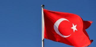 Η Άγκυρα απορρίπτει τις αποφάσεις της ΕΕ για τις παράνομες τουρκικές γεωτρήσεις στα ανοικτά της Κύπρου και για την τουρκική στρατιωτική επιχείρηση στη Συρία