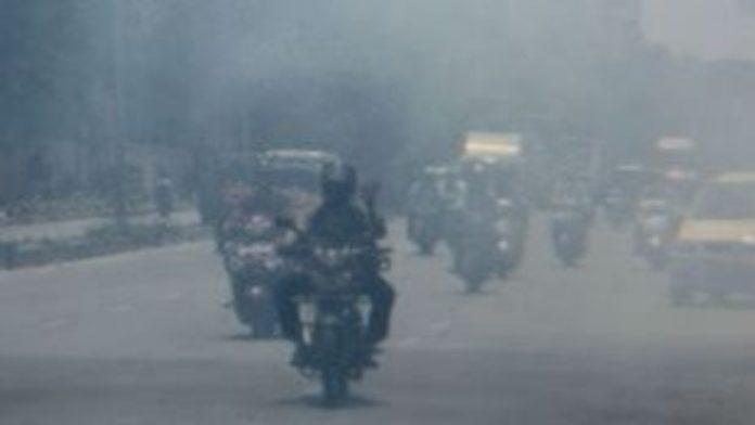 Η ατμοσφαιρική ρύπανση συνδέεται με την απώλεια μαλλιών