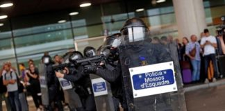Ισπανία: Ταραχές μεταξύ αστυνομίας και διαδηλωτών μετά την καταδίκη εννέα αυτονομιστών