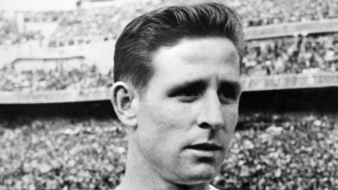 Κοπά...ο «Ναπολέων του ποδοσφαίρου» (1931-2017)