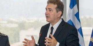 Μ. Χρυσοχοΐδης: Στην ενδοχώρα μεταφέρονται οικογένειες προσφύγων